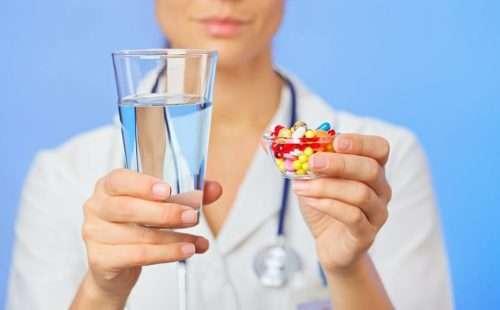 лекарства во флаконе